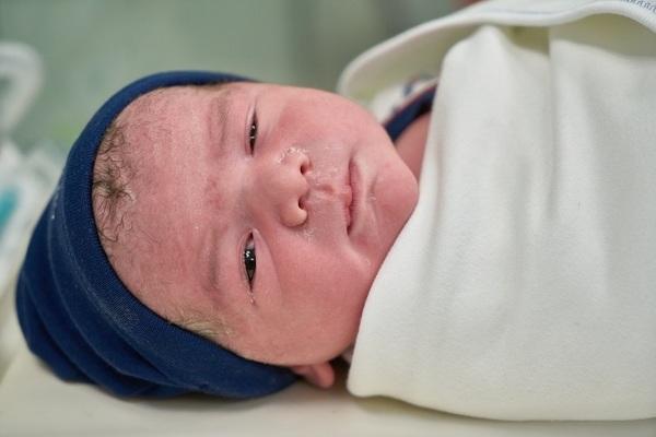 dieťatko po narodení, čerstvé