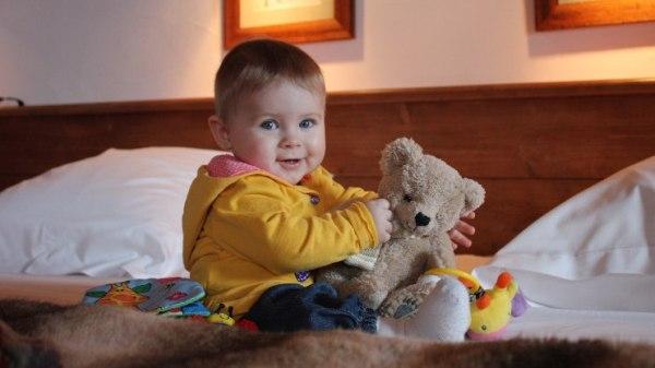 Hanka, bábätko na posteli, autor mamina Janka