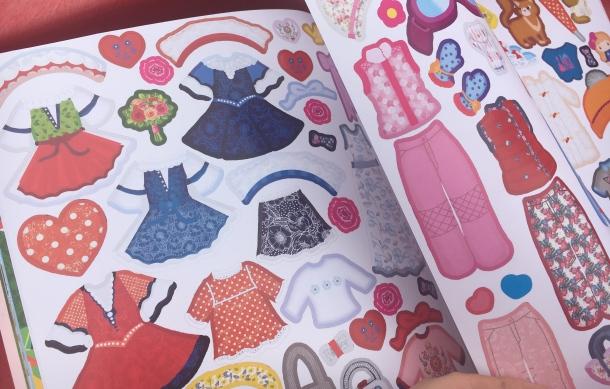 Šaty pre Zuzku kniha s nálepkami